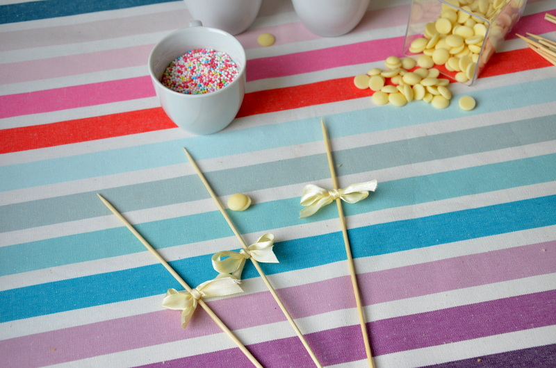 Świąteczne ciastkowe lizaki - pisanki