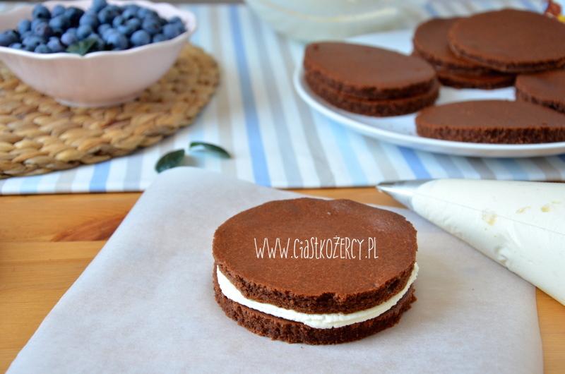 Borówkowe torciki z czekoladą