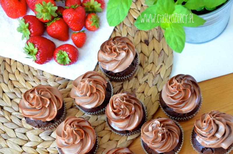 Urodzinowe babeczki czekoladowe
