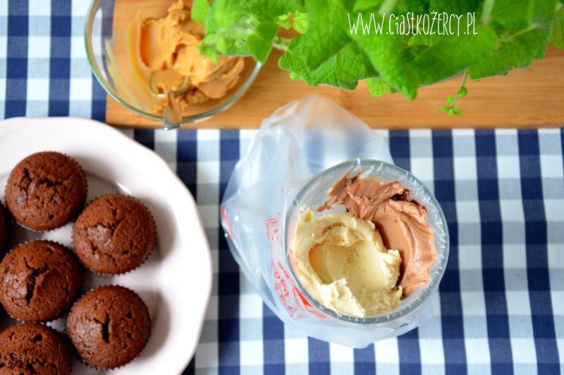 Babeczki snickers 3