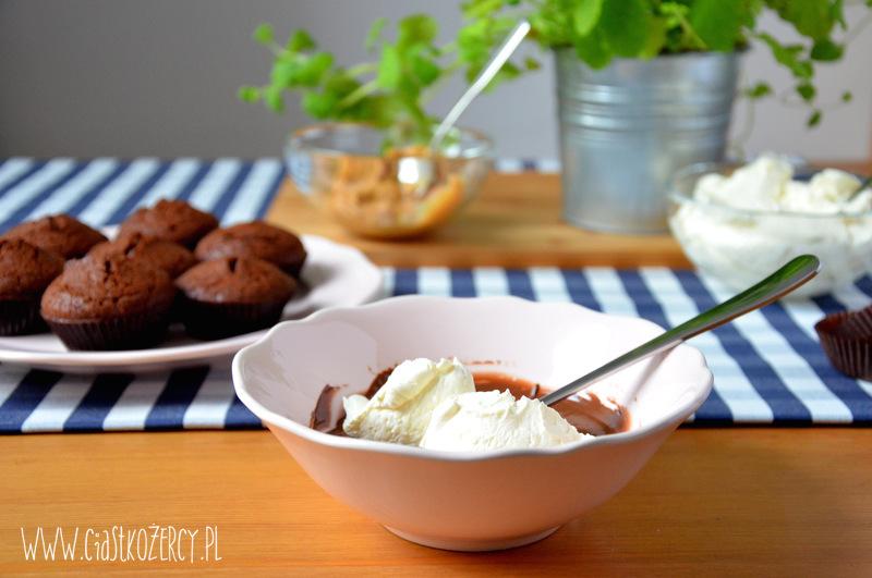 Babeczki snickers 4