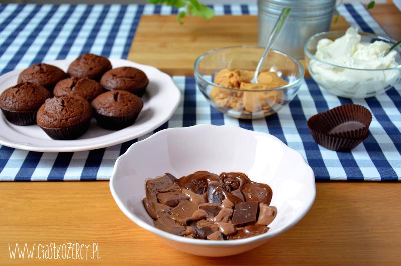 Babeczki snickers 5
