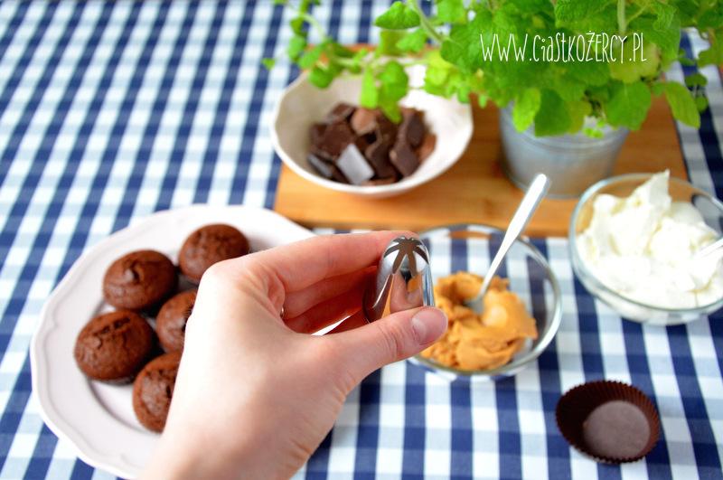 Babeczki snickers 6