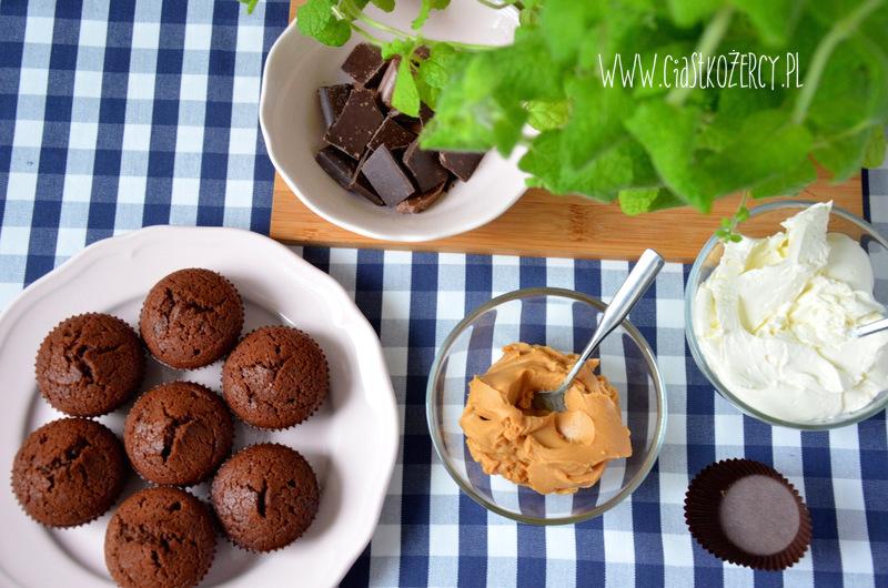 Babeczki snickers 7