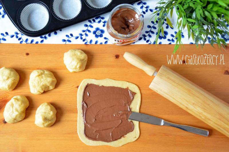 drożdżowe ślimaczki z Nutellą10