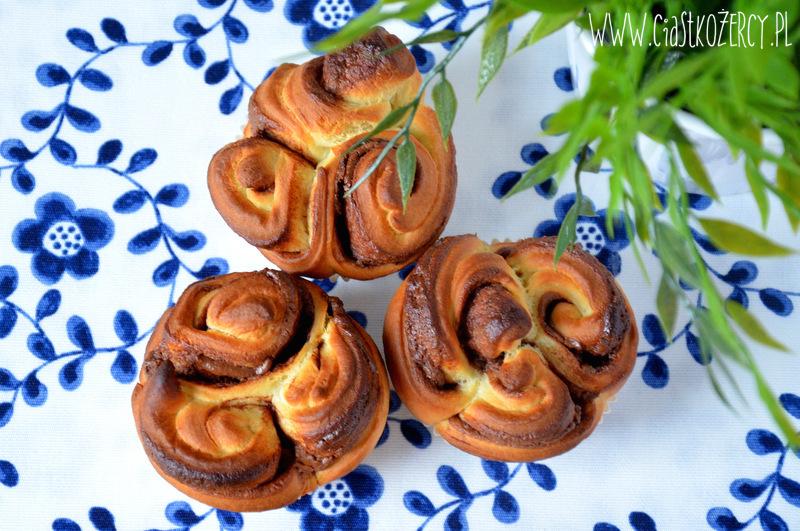 drożdżowe ślimaczki z Nutellą15