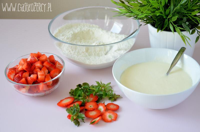 Jogurtowe babeczki z truskawkami 3