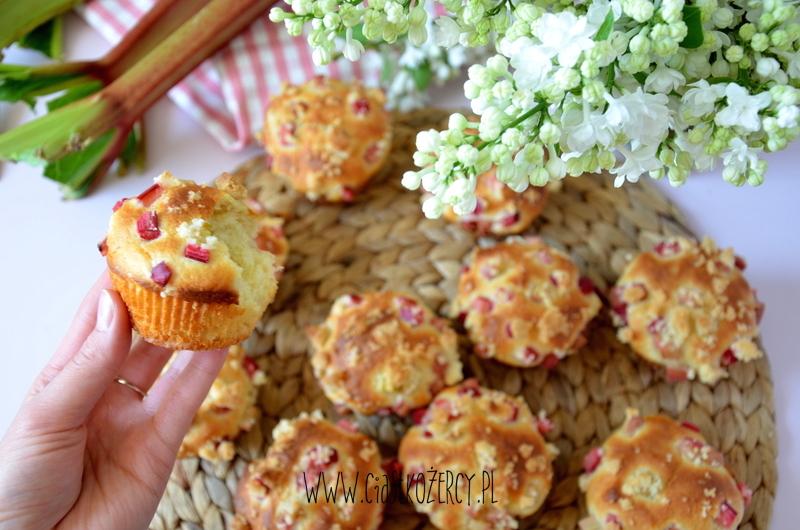 muffinki z rabarbarem 1