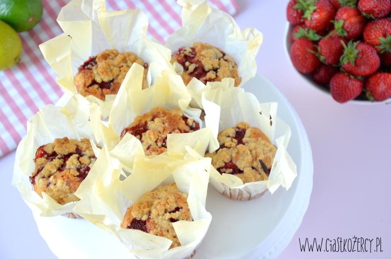 Muffinki truskawkowe 9