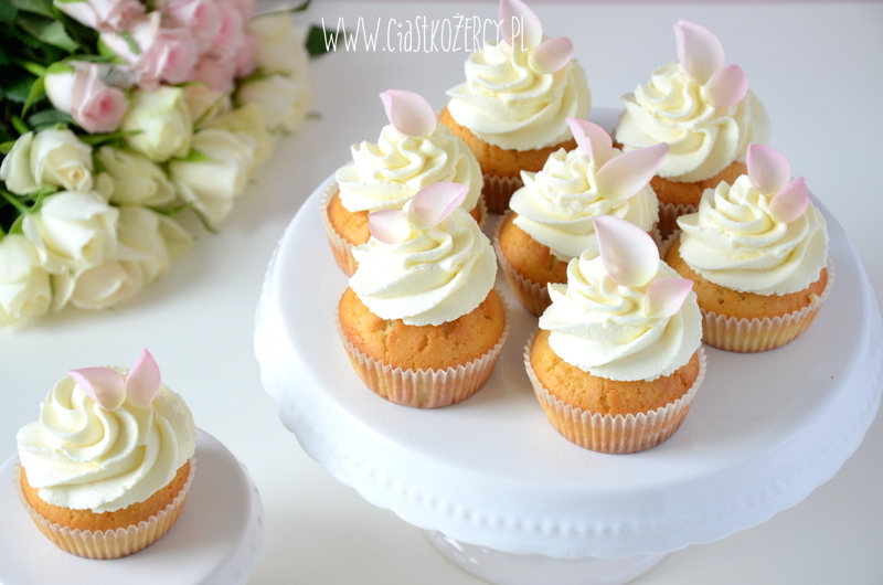 Rose cupcakes 15