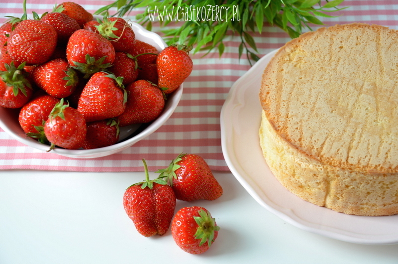 Tort z truskawkami 1