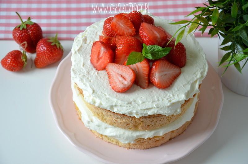 Tort z truskawkami 13