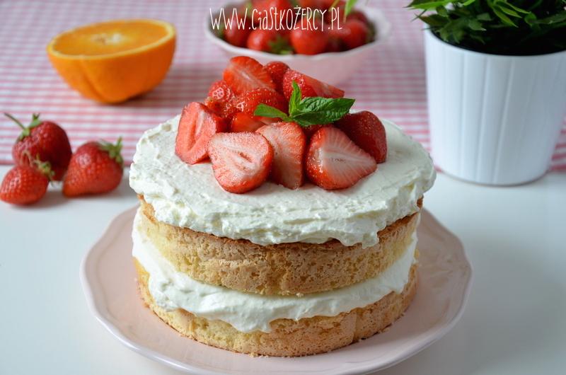 Tort z truskawkami 15
