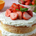 Tort z truskawkami