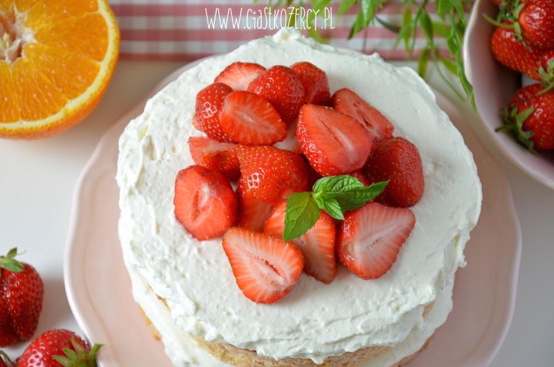 Tort z truskawkami 20