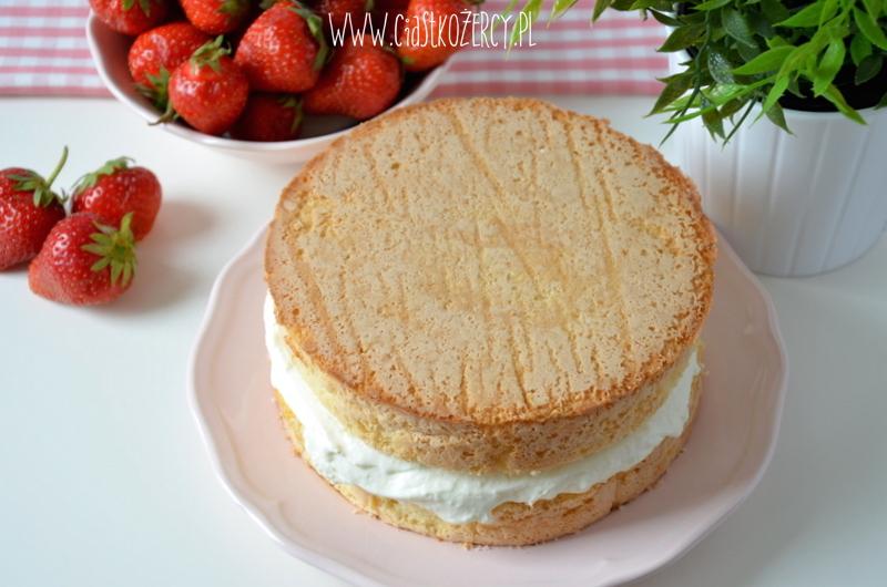 Tort z truskawkami 8