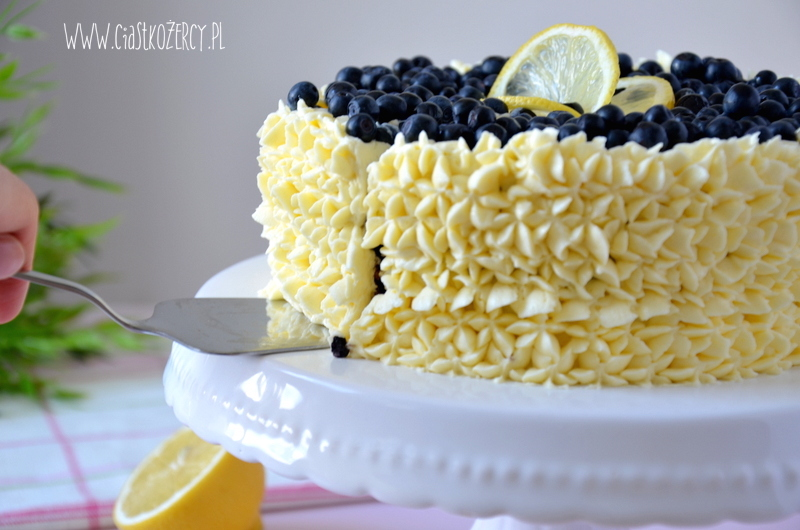 Tort cytrynowo-jagodowy 18