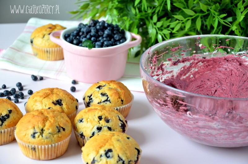 Proste muffinki jagodowe 10