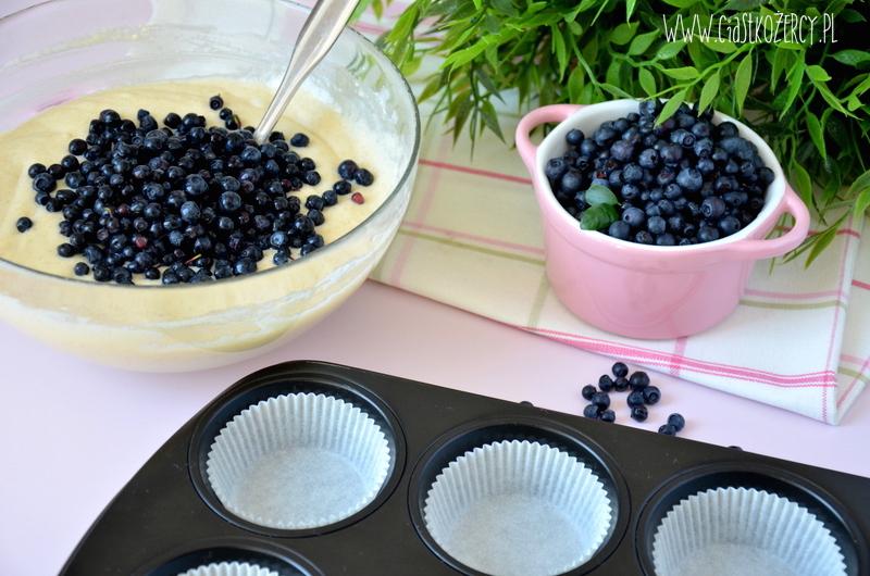 Proste muffinki jagodowe 4