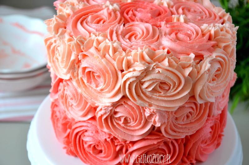 tort ombre z różyczkami
