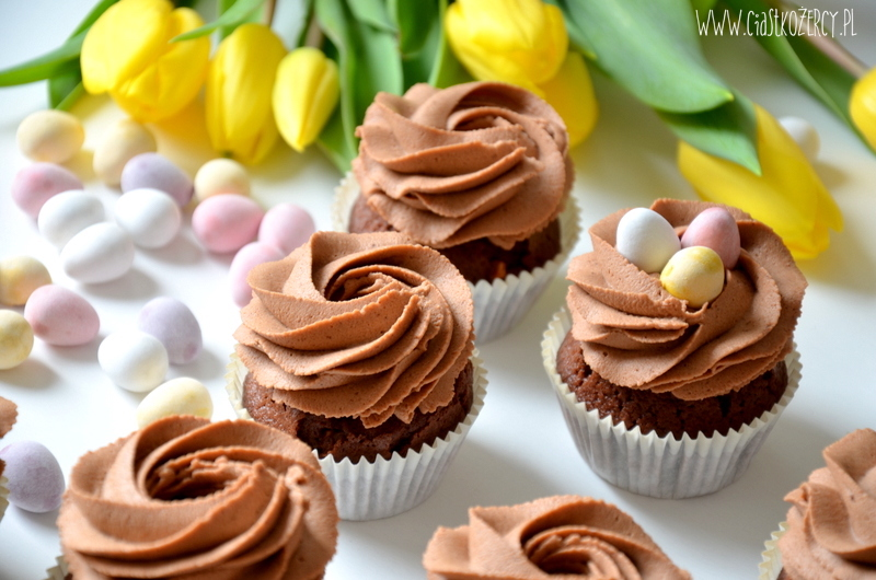 Wielkanocne babeczki 7