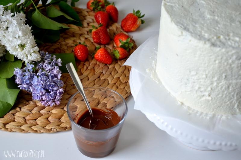Tort truskawkowo czekoladowy 10
