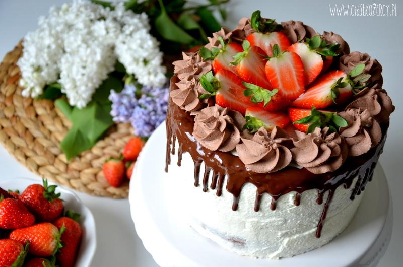Tort czekoladowo truskawkowy 1