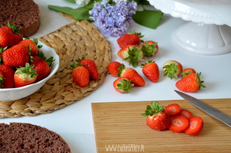 Tort truskawkowo czekoladowy 6
