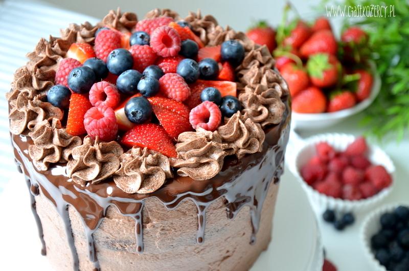tort czekoladowy z owocami 15