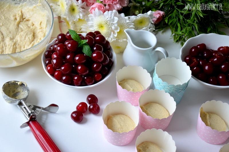 muffinki z wiśniami 4