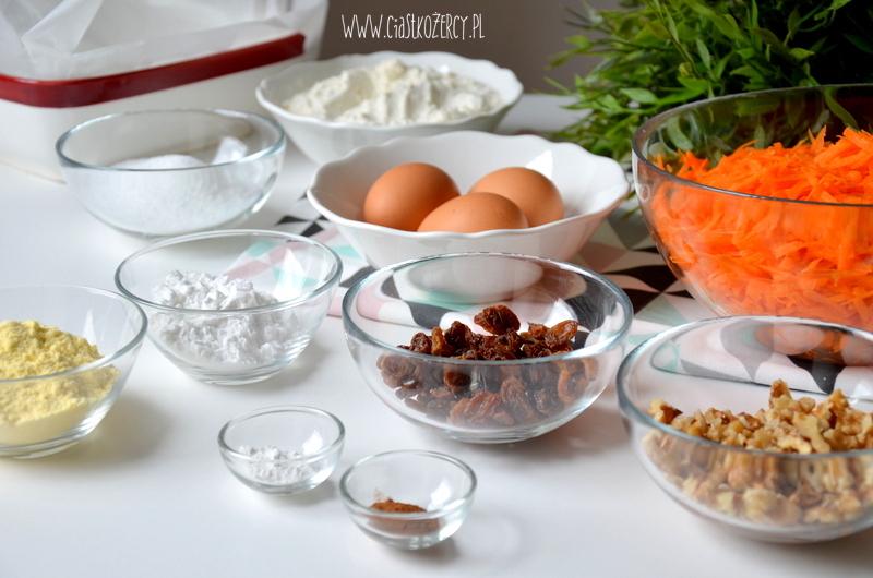 bezglutenowe-ciasto-marchewkowe-1