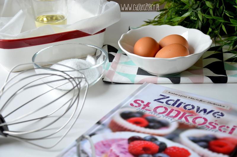bezglutenowe-ciasto-marchewkowe-2