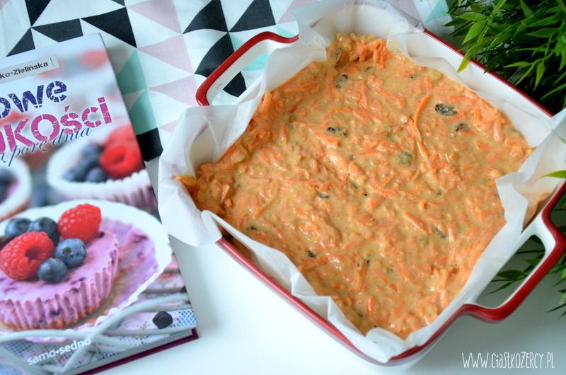 bezglutenowe-ciasto-marchewkowe-7