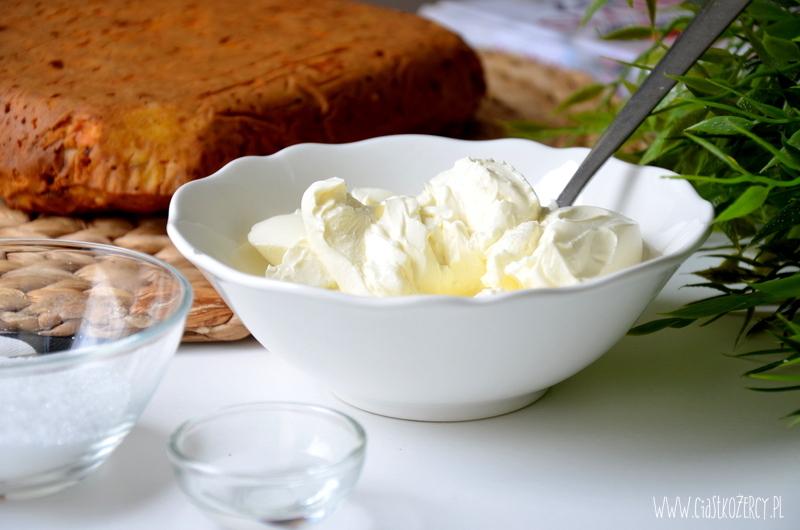 bezglutenowe-ciasto-marchewkowe-9
