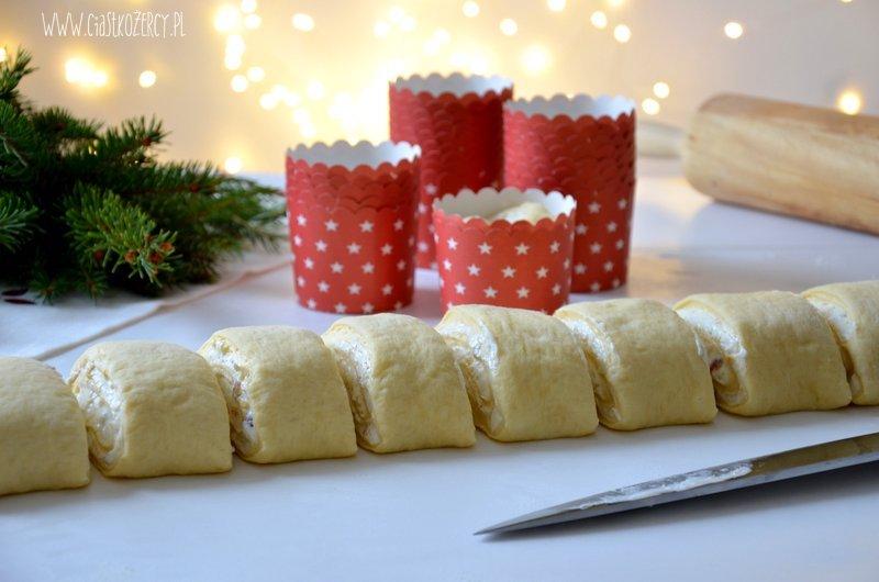 Babeczki drożdżowe z serem
