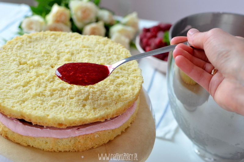 tort malinowy 14